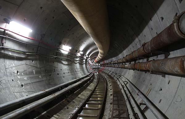 主隧道的内部结构