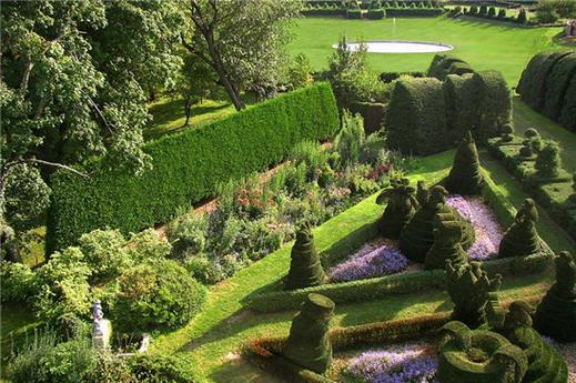 漫步全球九大奇妙花园 植物雕塑不要那么可爱